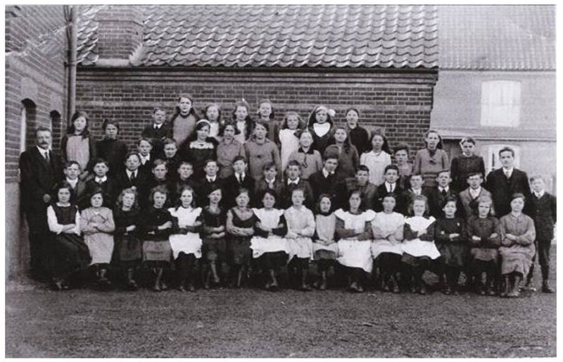 File:Elem. School. Rampley 7 Easter 1922.JPG